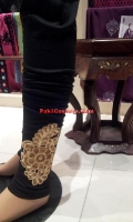 embroidered-tights-at-pakicouture-9