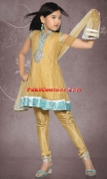 girls-party-wear-at-pakicouture-18