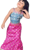 girls-party-wear-at-pakicouture-27