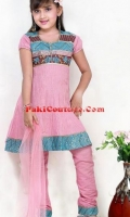 girls-party-wear-at-pakicouture-42