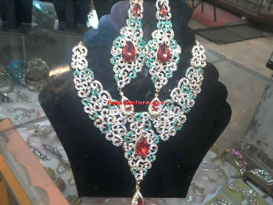 bridal-jewellery-at-pakicouture-58