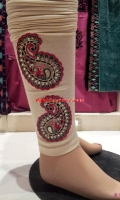 embroidered-tights-at-pakicouture-5