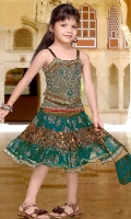 girls-party-wear-at-pakicouture-3