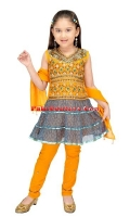 girls-party-wear-at-pakicouture-30