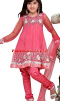 girls-party-wear-at-pakicouture-39