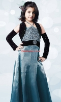 girls-party-wear-at-pakicouture-4