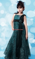 girls-party-wear-at-pakicouture-7