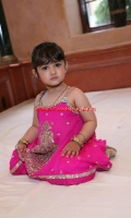 girls-party-wear-at-pakicouture-8